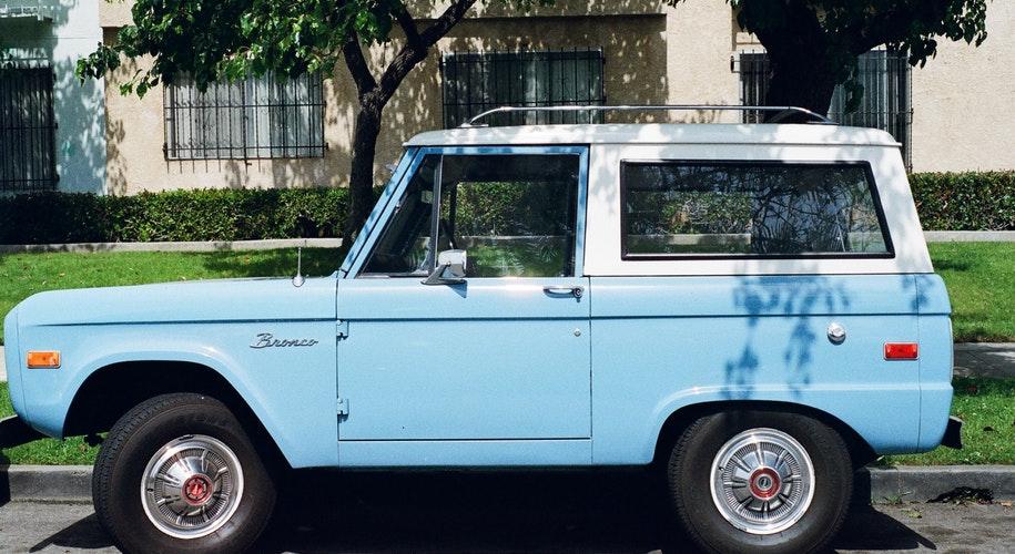 blue-car-vehicle-vintage(1)